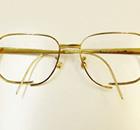 金のメガネ